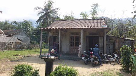 Phu Loc, Thua Thien Hue: Trieu tap thanh nien nghi gio tro doi bai voi be gai - Anh 1