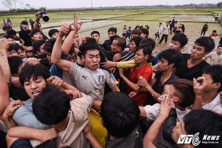 Trai lang do mau, kiet suc trong cuop phet Hien Quan 2017 - Anh 9