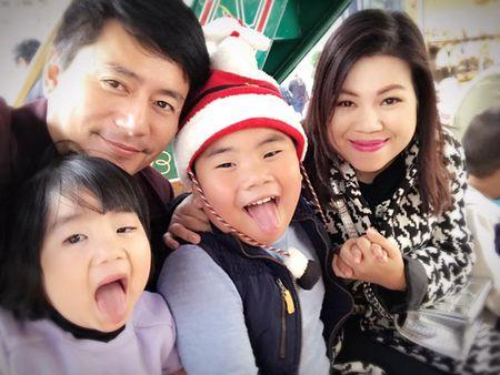 To am hanh phuc cua dien vien Truong Minh Cuong o My - Anh 2