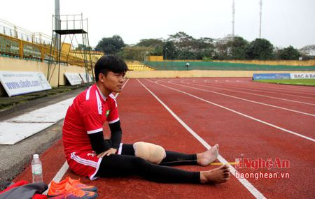 Don 'bao' chan thuong, doi hinh nao cho SLNA tran gap Quang Nam? - Anh 1