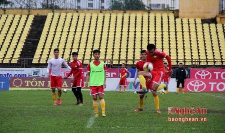 Don 'bao' chan thuong, doi hinh nao cho SLNA tran gap Quang Nam? - Anh 2