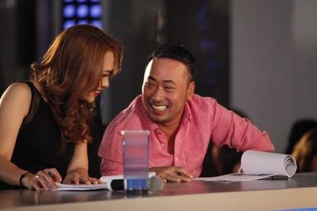 My Tam ngoi ghe 'nong' game show ca hat moi - Anh 2