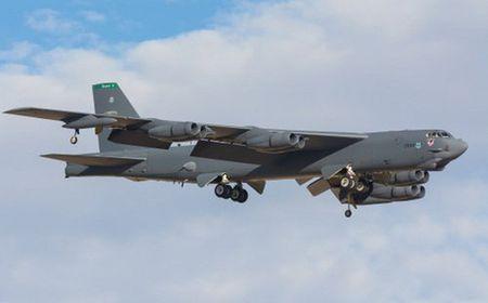 My khong co tien mua dong co moi cho may bay B-52 - Anh 1