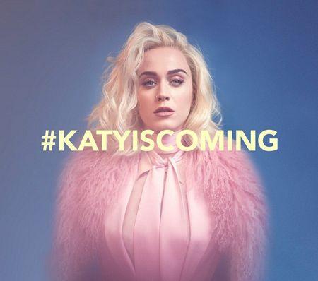 Tung MV Lyric cuc de thuong, single moi cua Katy Perry van bi 'che ong che eo' - Anh 1