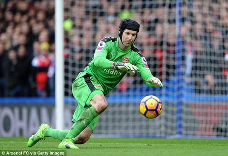 So lieu khong noi doi: Da den luc Arsenal nen thay...Petr Cech - Anh 1