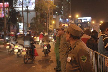Chum anh: Van nguoi lam le cau an tai chua Phuc Khanh, Ha Noi - Anh 7