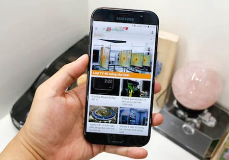 Bo doi Samsung Galaxy A 2017 - ban nang cap dang gia - Anh 2