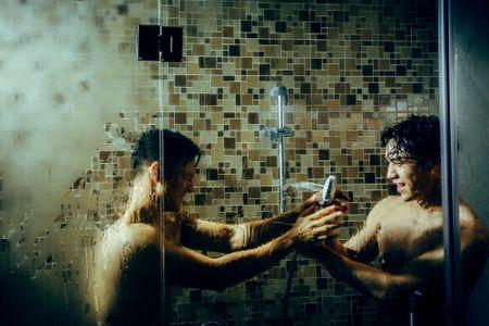 Duc Tuan gay to mo khi quay 'canh nong' cung trai Thai - Anh 2