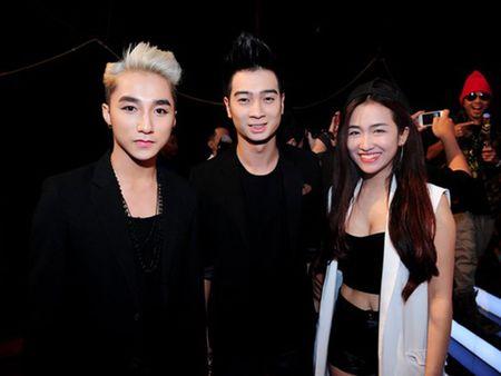 Slim V ra mat MV Valentine cung thoi diem voi Son Tung M-TP - Anh 2