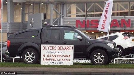Nissan Navara bi gay doi khung xe: Viet Nam khong bi anh huong - Anh 2