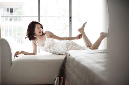 9 hot girl Viet chuyen huong sang phong cach sexy - Anh 1