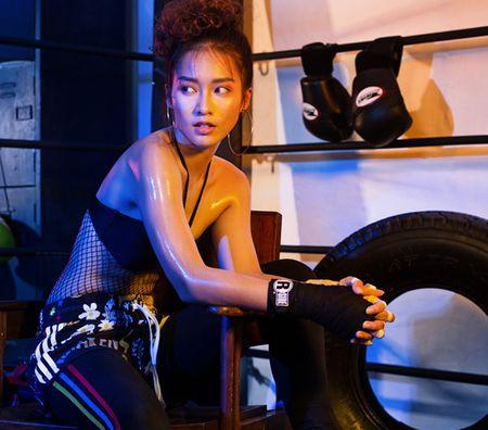 9 hot girl Viet chuyen huong sang phong cach sexy - Anh 4