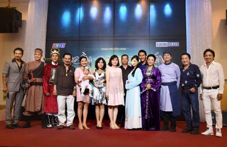 Hoa Hiep va Thanh Truc lan dau dong phim co trang pha an - Anh 10