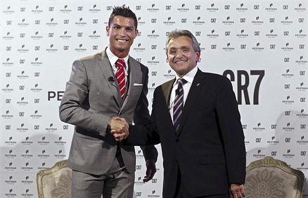 Ronaldo mo rong dau tu sang Bac Phi - Anh 1