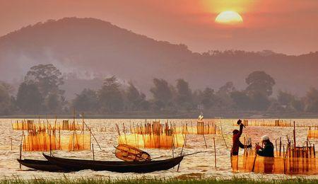 Ho Lak - diem du lich noi tieng bac nhat tinh Dak Lak - Anh 4