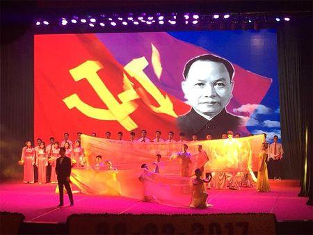 Nam Dinh: Long trong ky niem 110 nam ngay sinh Tong Bi thu Truong Chinh - Anh 2