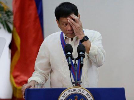 Lan truyen tin don Tong thong Philippines Duterte bi ung thu? - Anh 1