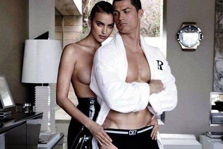 Bo cu cua Ronaldo lo nguc tran, lam nao loan mang xa hoi - Anh 1