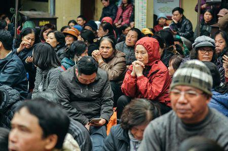 Chum anh: Bien nguoi lam le cau an tai chua Phuc Khanh, Ha Noi - Anh 2