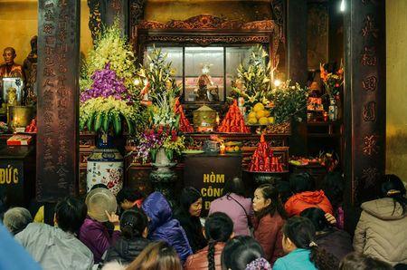 Chum anh: Bien nguoi lam le cau an tai chua Phuc Khanh, Ha Noi - Anh 3