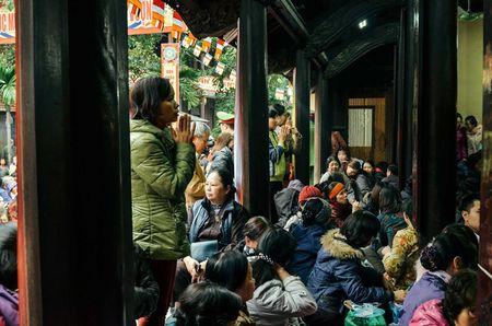 Chum anh: Bien nguoi lam le cau an tai chua Phuc Khanh, Ha Noi - Anh 4