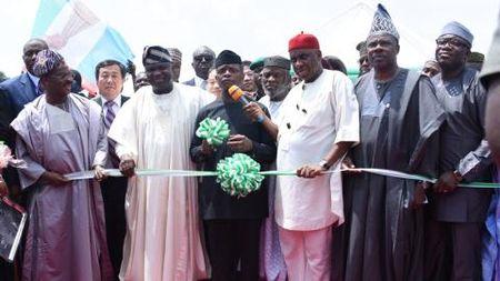 Nigeria co tham them noi dau Trung Quoc? - Anh 1