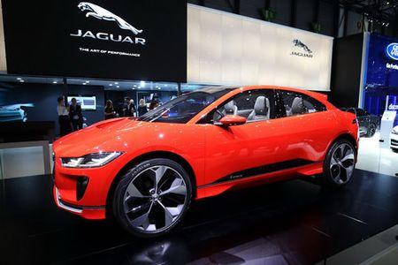 Jaguar I-Pace 'thach thuc' truc tiep Tesla Model X - Anh 5