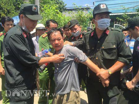 Clip khong che doi tuong dam thung bung Truong phong Tu phap - Anh 1
