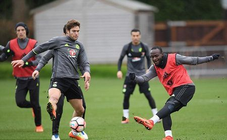 Chum anh: Dan sao Chelsea 'luyen cong' va mo hoi cho dai chien Man Utd - Anh 8
