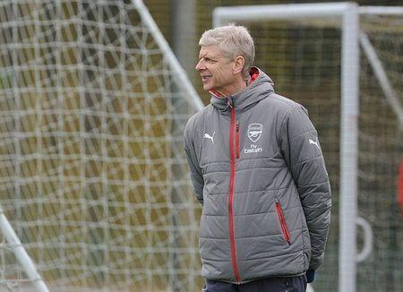 Chum anh: Sanchez tram ngam, Oezil quyet tam cao do truoc Tu ket FA Cup - Anh 5