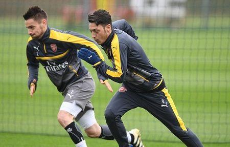 Chum anh: Sanchez tram ngam, Oezil quyet tam cao do truoc Tu ket FA Cup - Anh 8