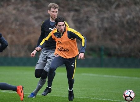 Chum anh: Sanchez tram ngam, Oezil quyet tam cao do truoc Tu ket FA Cup - Anh 9