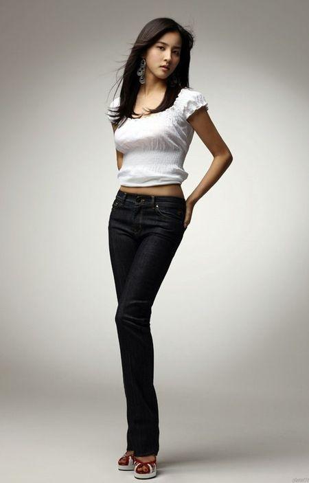 Han Hye Jin - WAGs xinh dep hang dau xu Kim Chi - Anh 7