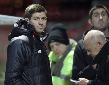 Chum anh: Steven Gerrard dan dat U18 Liverpool doi dau U18 Man Utd - Anh 5