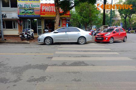 Duong pho Ha Noi thoang dang trong ngay do xe chan le - Anh 11