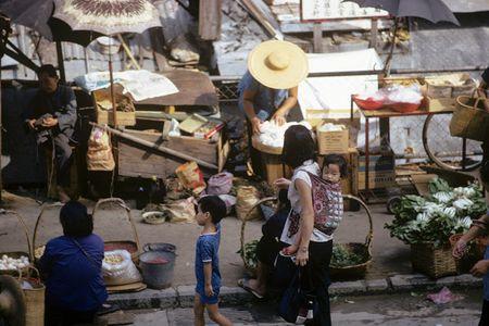 Cuoc song thuong nhat o Hong Kong hoi thap nien 1970 - Anh 6