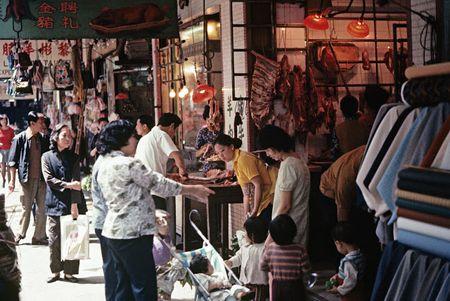 Cuoc song thuong nhat o Hong Kong hoi thap nien 1970 - Anh 9