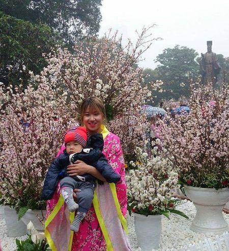 Man nhan voi hoa anh dao Nhat Ban no ro duoi mua xuan Ha Noi - Anh 24