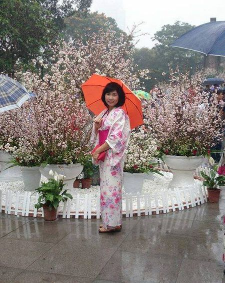 Man nhan voi hoa anh dao Nhat Ban no ro duoi mua xuan Ha Noi - Anh 9