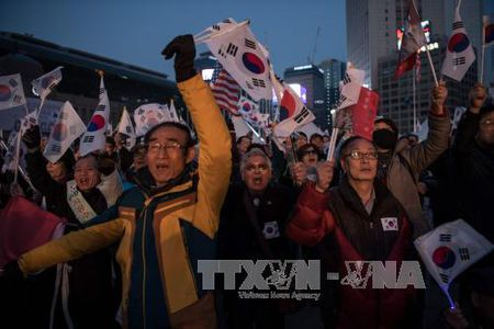 Them nguoi bieu tinh ung ho ba Park Geun-hye thiet mang - Anh 1