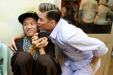 Khong giau giem viec me vao tu, Dam Vinh Hung mang on nguoi dac biet nay - Anh 2