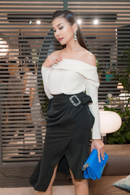 "Thanh Hang khoe vai tran dep ""nin tho"" - Anh 6"