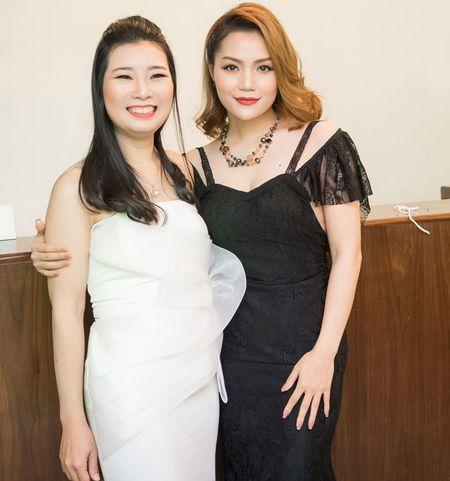 'Gai mot con' Nguyen Ngoc Anh khoe nhan sac man ma ben dan hoa hau - Anh 4