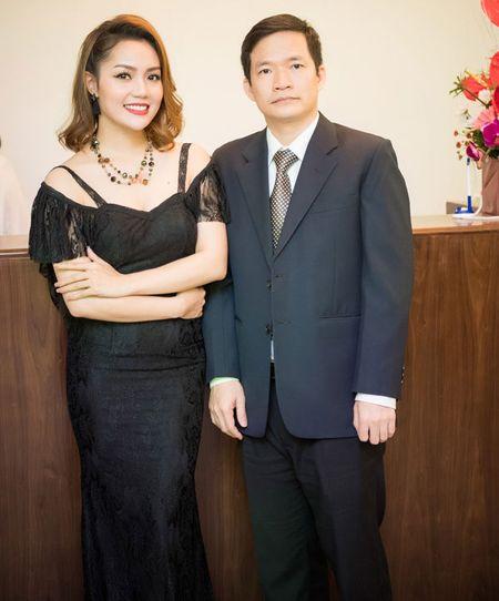 'Gai mot con' Nguyen Ngoc Anh khoe nhan sac man ma ben dan hoa hau - Anh 5