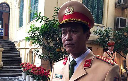 Tong kiem tra xe buyt nhai, xe o to dien khong duoc phep luu thong - Anh 2