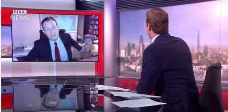 Buoi phong van truc tiep cua BBC bi lu tre quay pha - Anh 1
