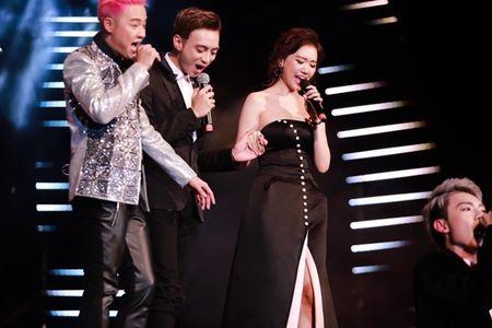 Hari Won 'len doi' thoi trang su kien sau khi lay Tran Thanh - Anh 12