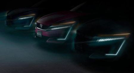 Honda Clarity PHEV & EV 'trinh lang' tai Trien lam New York 2017 - Anh 1