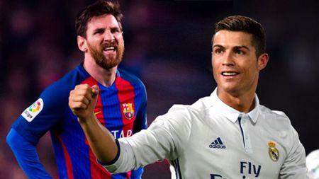 Ronaldo vuot Messi trong cuoc dua kiem tien - Anh 1