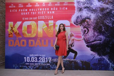 Ho Ngoc Ha xem Kong lan 2, chup selfie voi dao dien Jordan - Anh 4